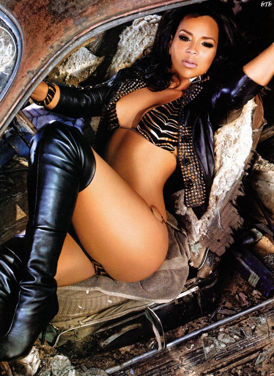 Lisa Raye graphic